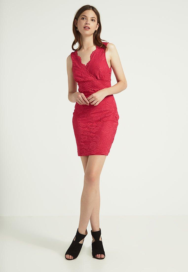 abito-pizzo-rosso-13