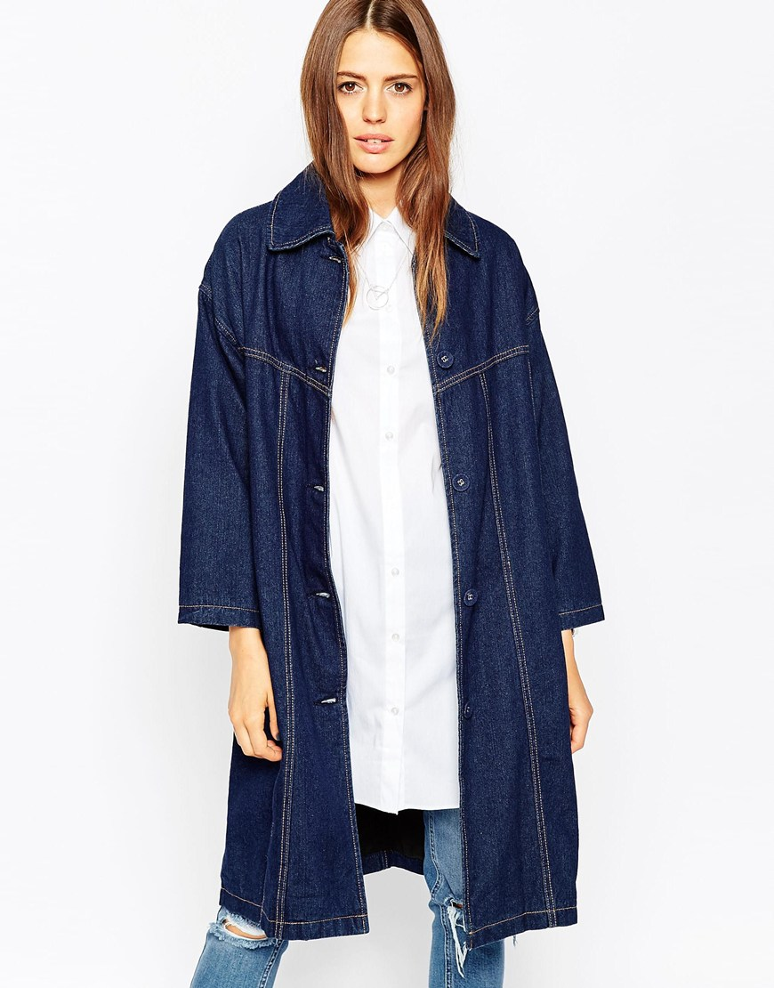 15_Giacca di jeans Asos, in denim foderato di media pesantezza, Cuciture a contrasto color tabacco (76,99 € su Asos)