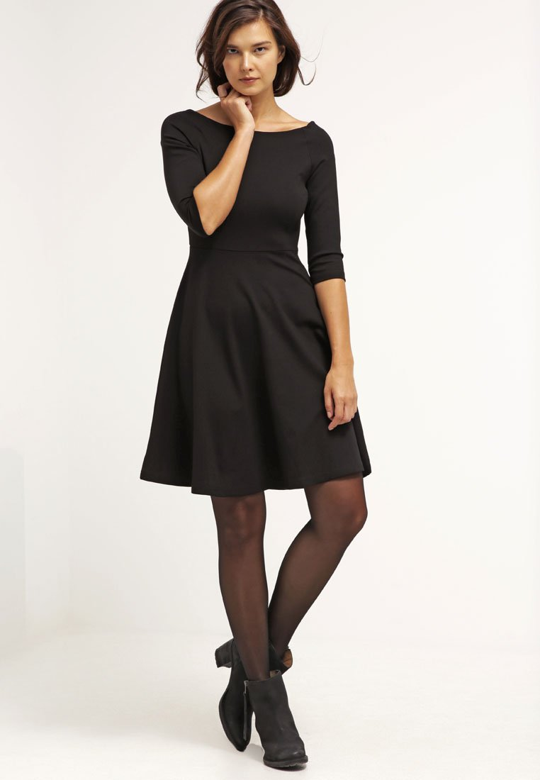 vestito nero invernale