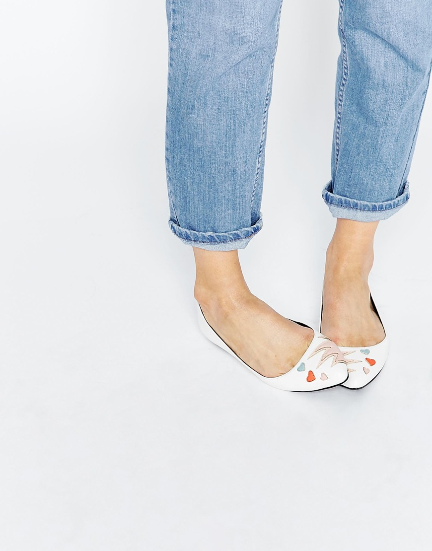 29_Ballerine Asos Like a Pro, in ecopelle e con applicaioni in punta (34,99 € su Asos)