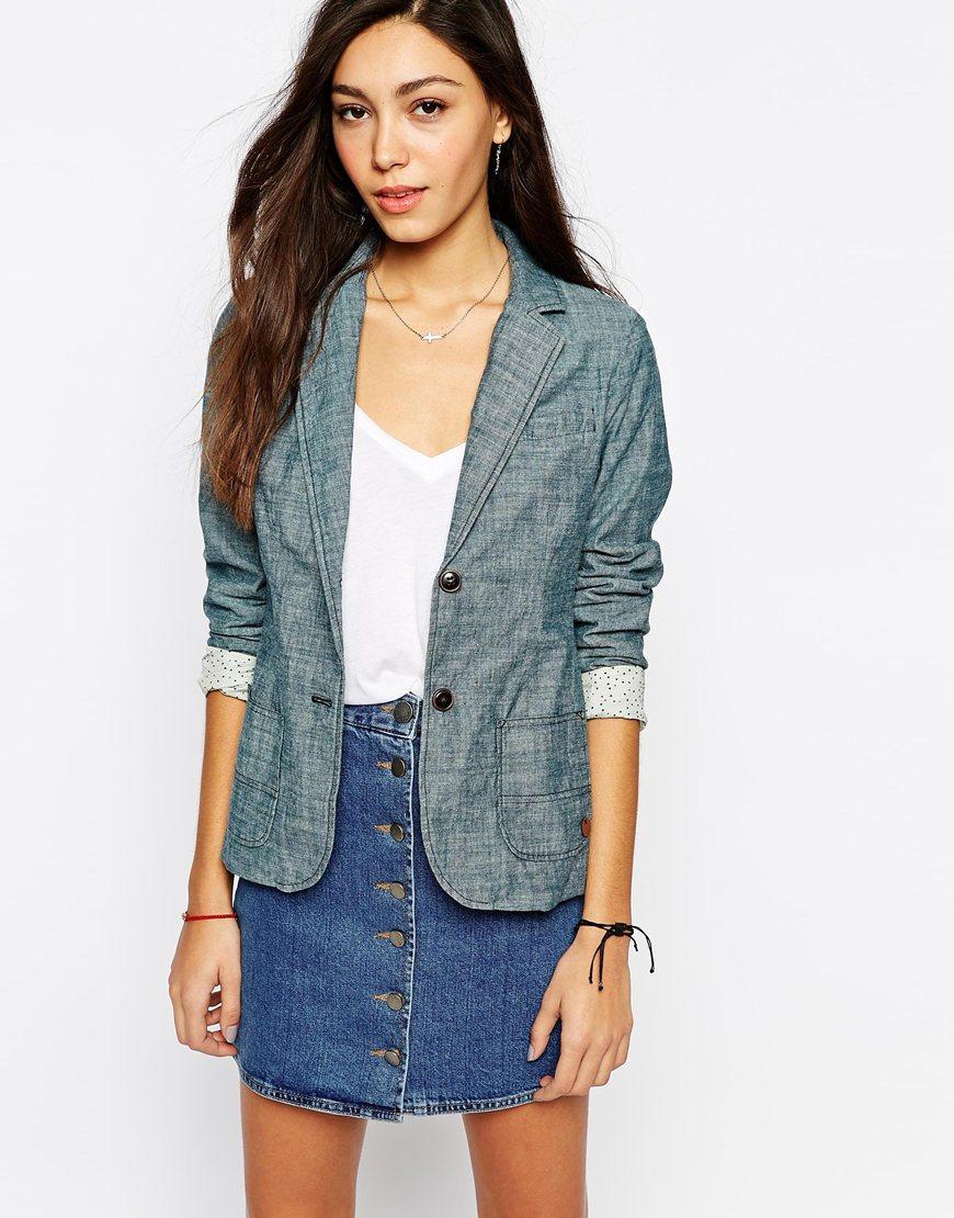 6_Blazer di jeans Lee, blu indaco, con spalline leggermente foderate (182,99 € su Asos)