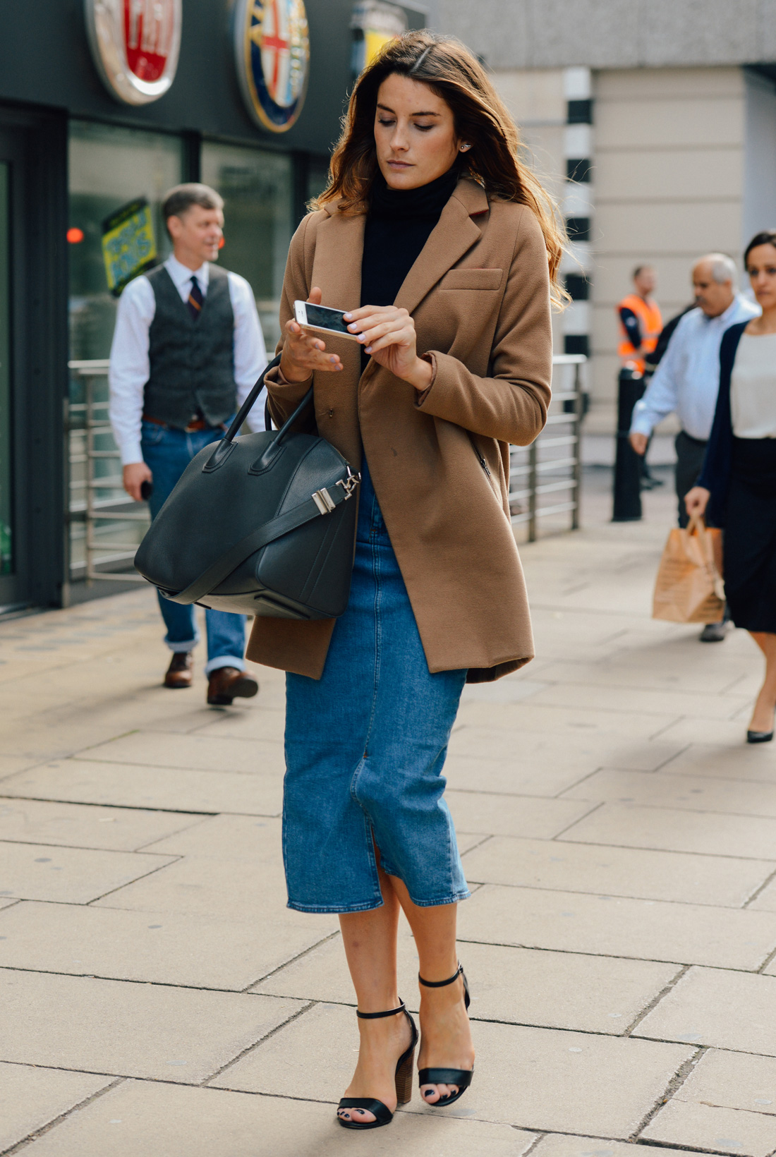 camel coat denim look