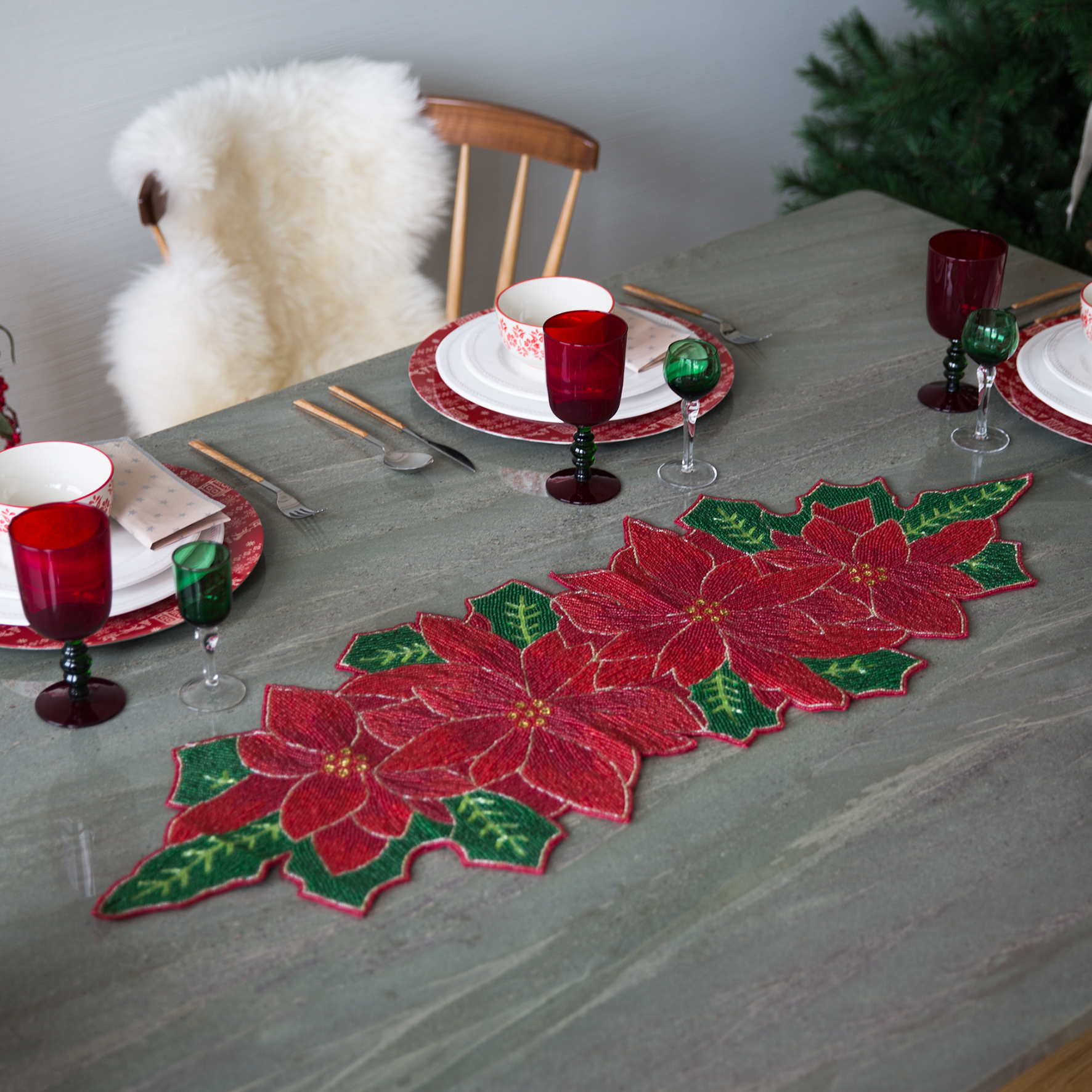 Tavola di Natale stella di Natale rossa