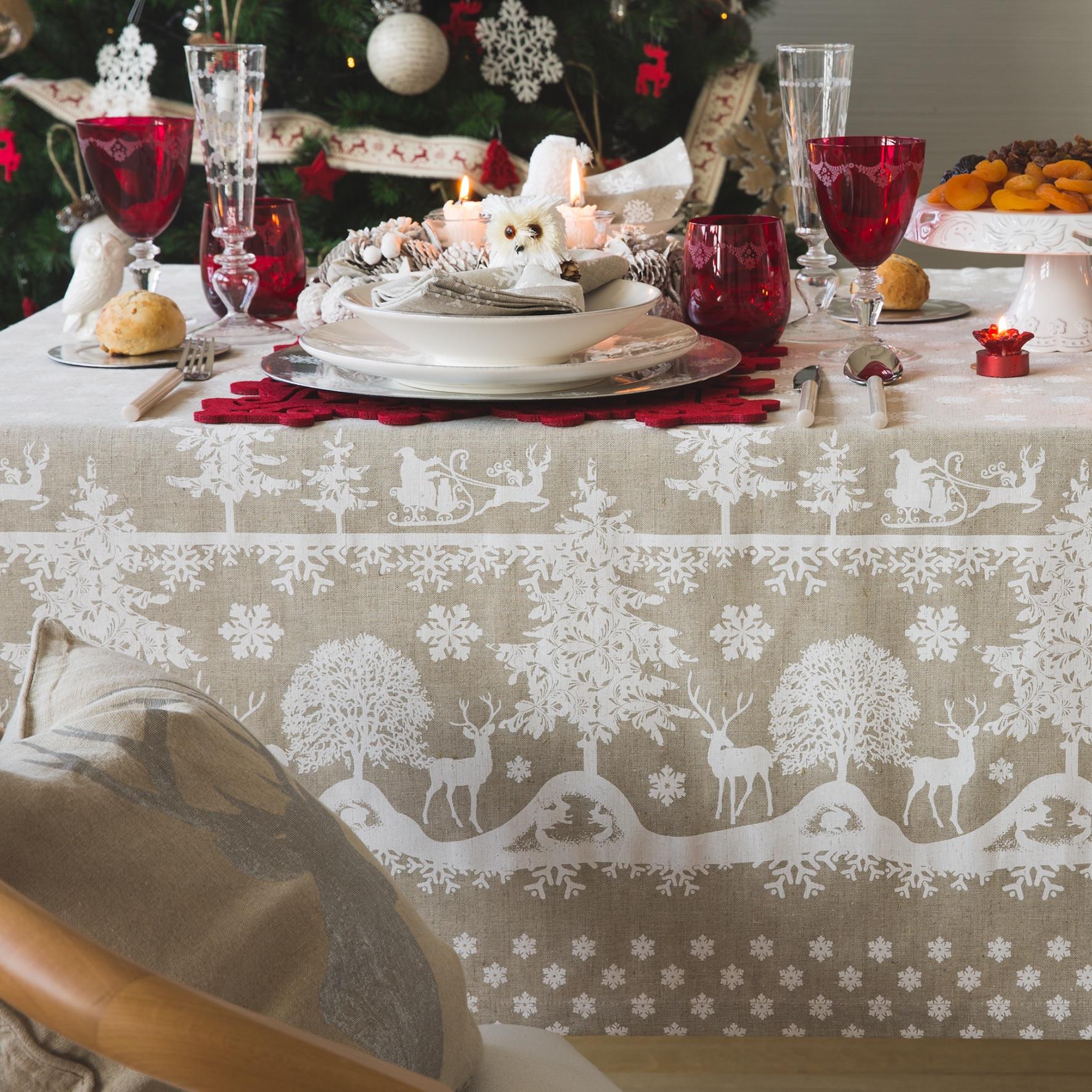 Idee per apparecchiare la tavola di Natale rustica