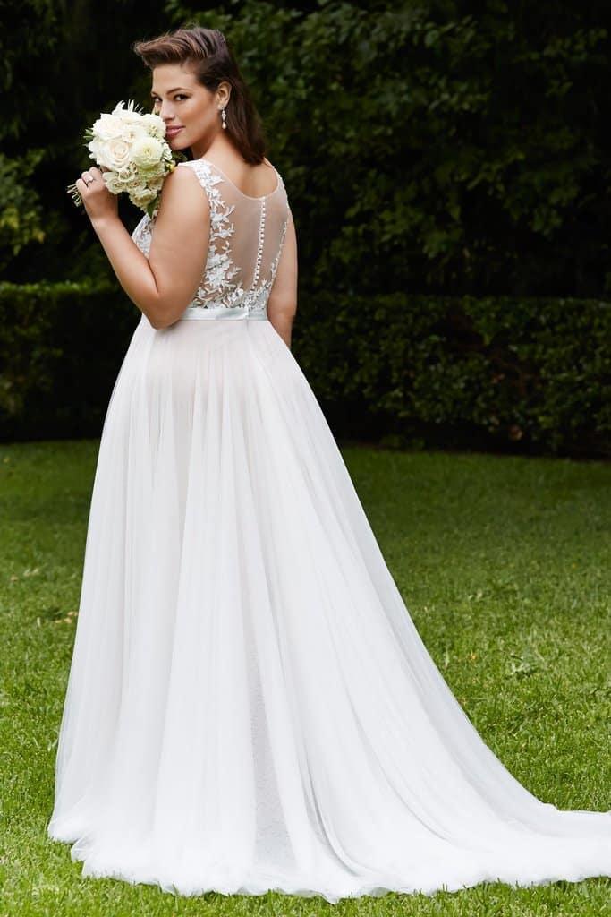 1 piccola guida agli abiti da matrimonio curvy