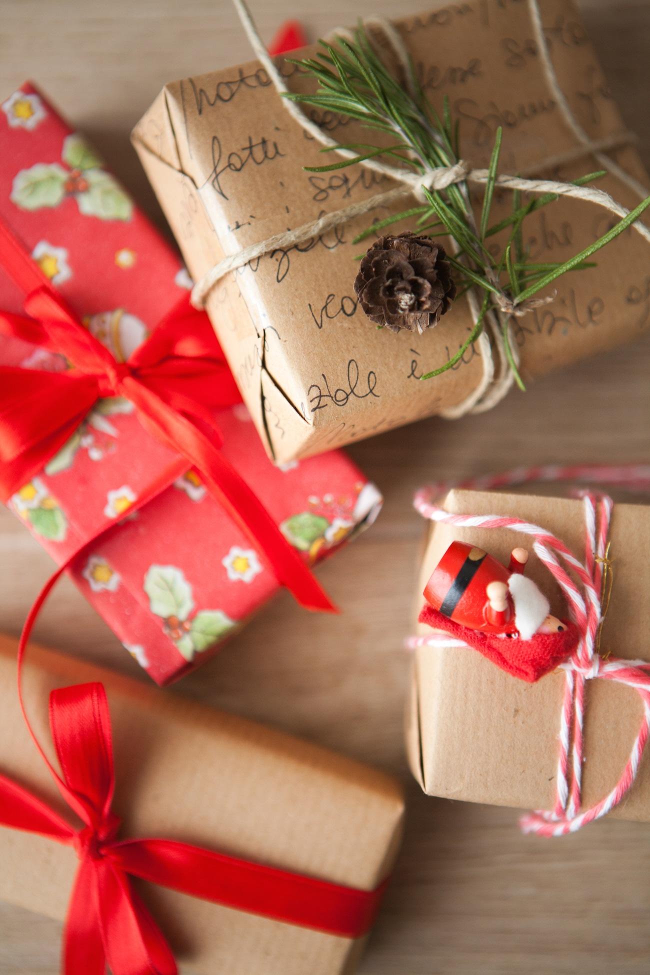 Come Fare Pacchetti Natalizi regali di natale: 3 semplici diy per fare pacchetti bellissimi!