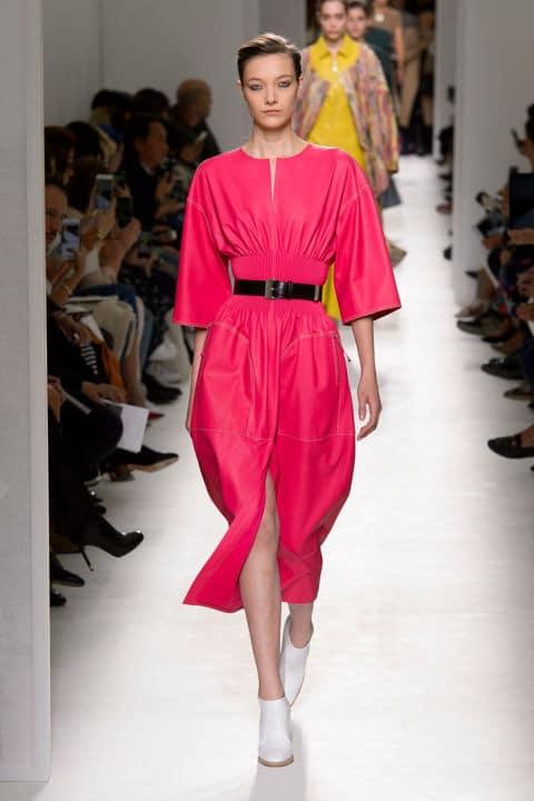 Tendenze moda primavera 2017 rosa abito hermes