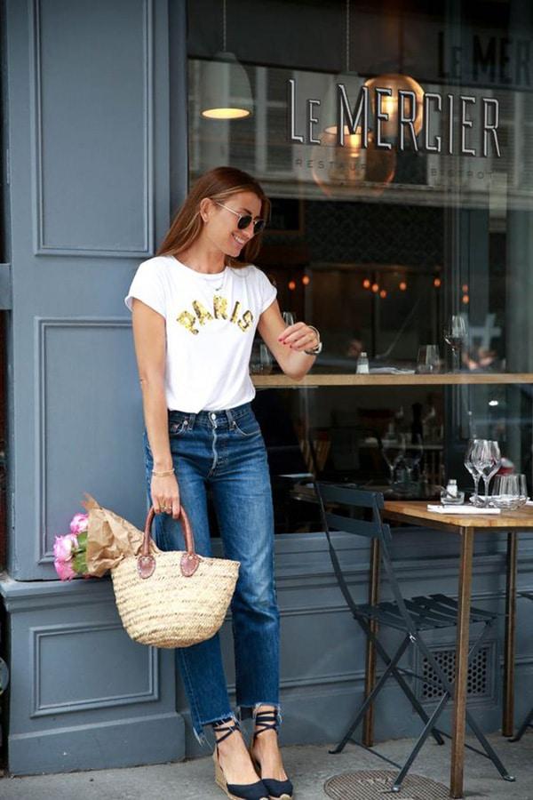 Le espadrillas abbinate a jeans e t-shirt