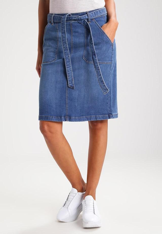 l'atteggiamento migliore 6c929 5af18 Gonna di jeans: come portarla con stile durante i mesi estivi