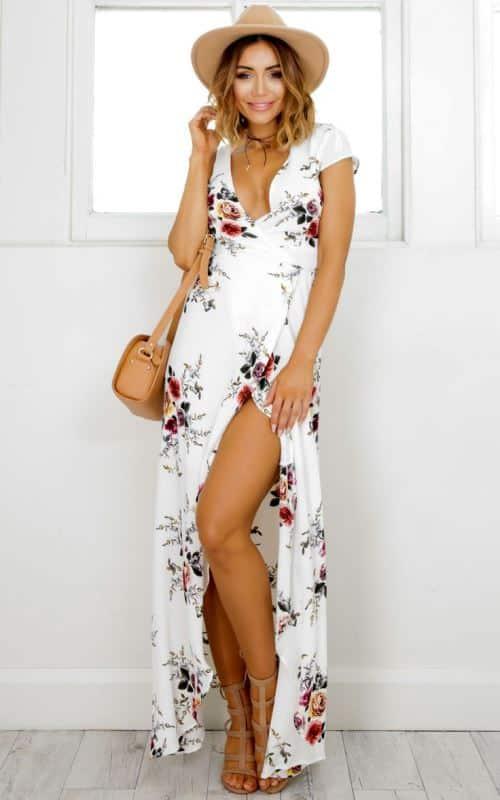 385dc0d5a720 Una delle tendenze estate 2017 è quella dei vestiti maxi a stampa floreale