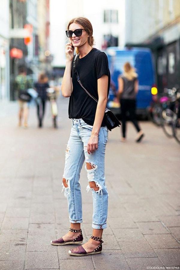 Jeans strappati e espadrillas