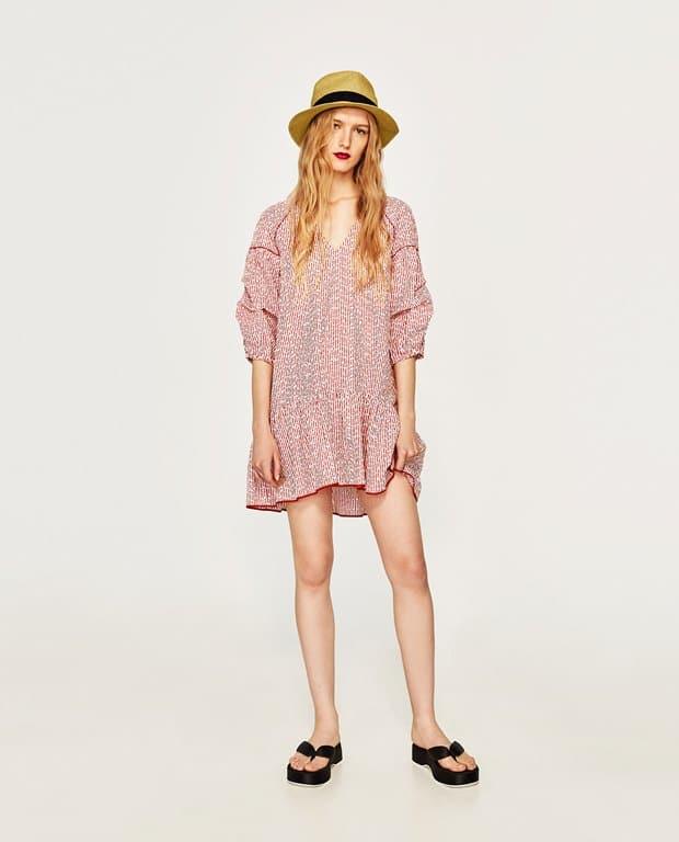 Zara, vestito corto a righe e con ricami, 39,95 EUR su Zara