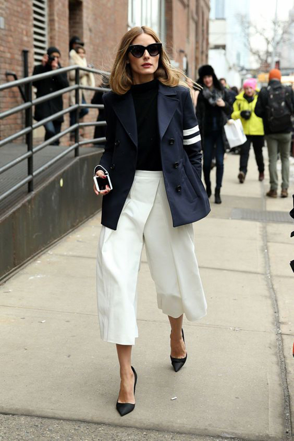 Pantaloni culotte e tacchi alti