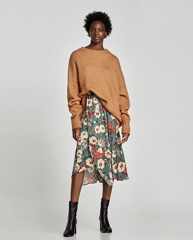 online store d18a2 9073c Gonna morbida + maglione oversize: è questo il look dell ...