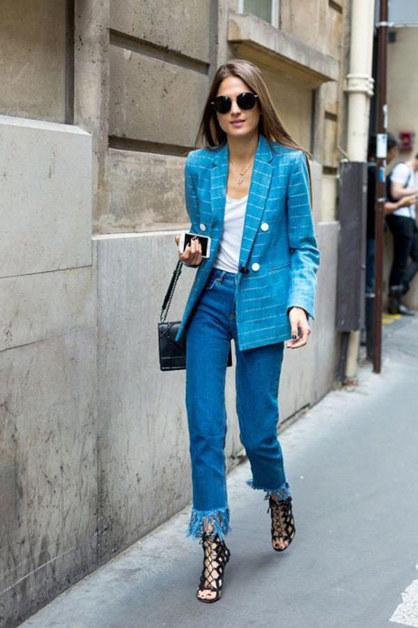 Pantaloni cropped e tacchi alti