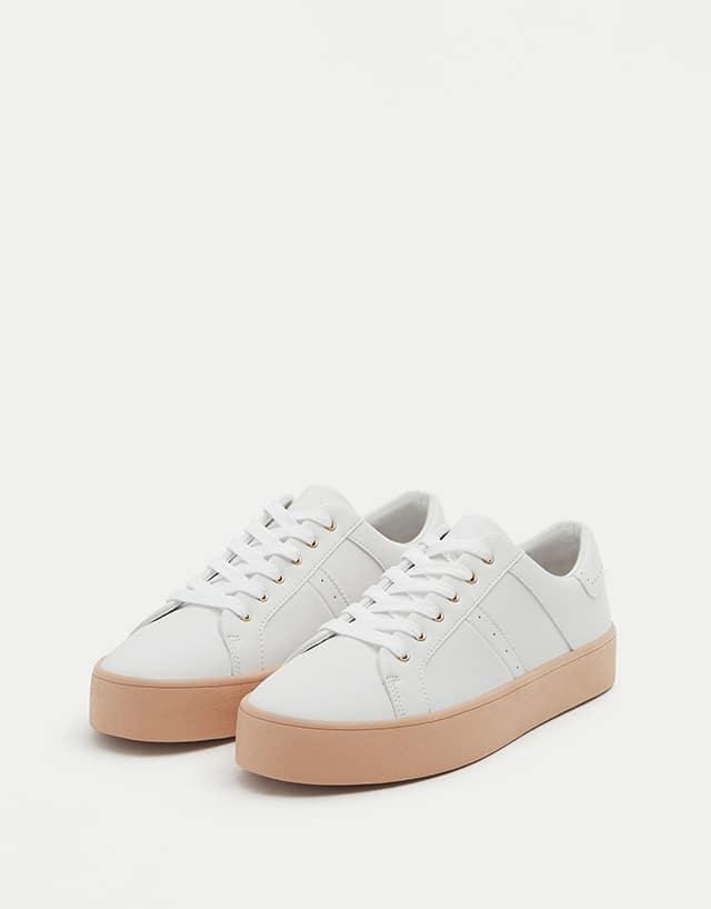 scarpe da ginnastica con la suola alte nike