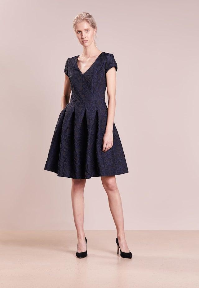 5ba8494ce006 HUGO KARINIS  u2013 Vestito elegante 349