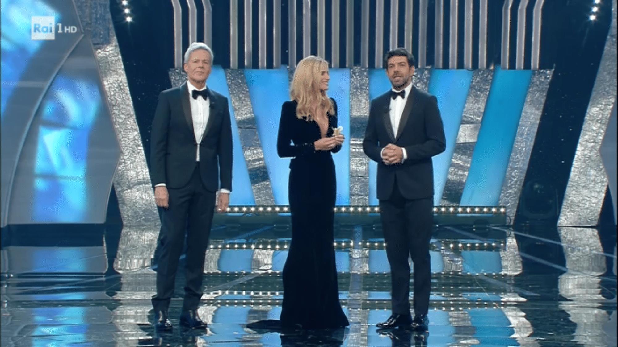 3527955bd0 Sanremo 2018: look e stilisti della prima serata