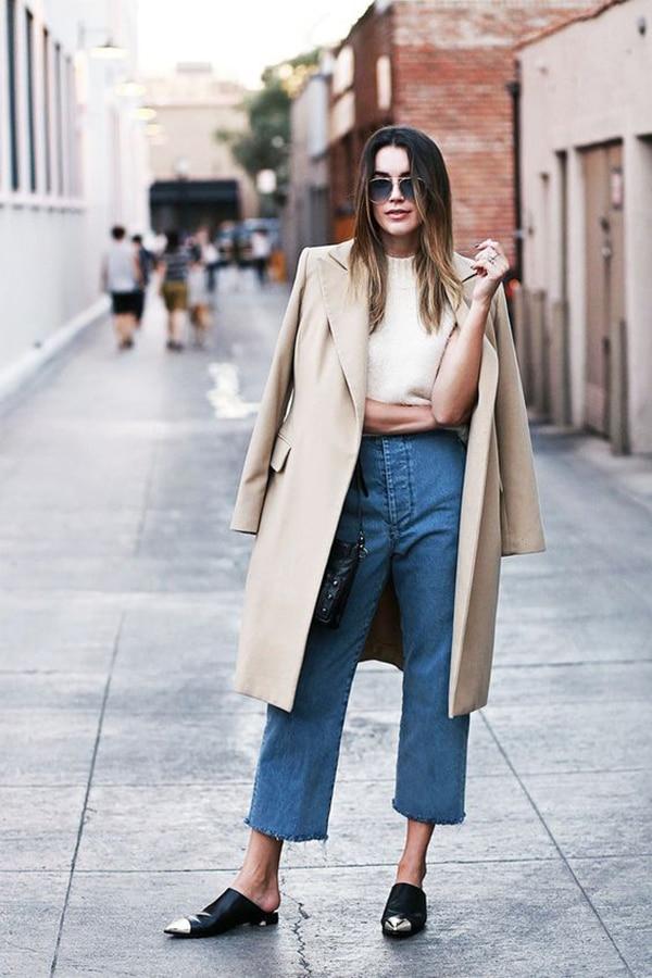 Culotte di jeans e scarpe flat