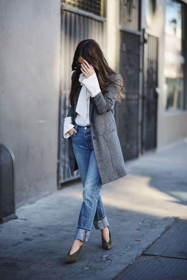 Scarpe con lo scollo a v e jeans