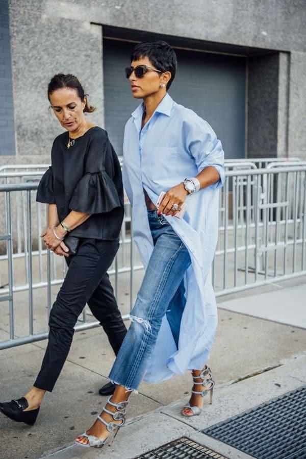 Chemisier azzurro e jeans