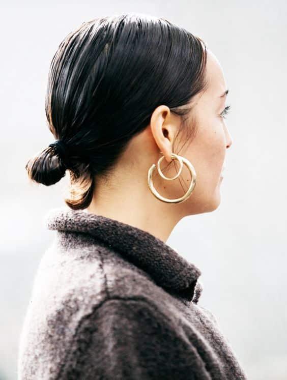 orecchini a cerchio outfit