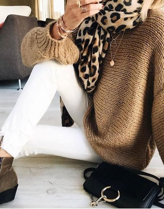 Vestito leopardato come indossare la stampa animalier