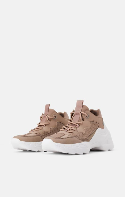 chunky sneakers zara